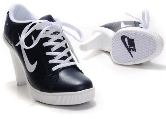 topuklu-spor-ayakkabi-nike